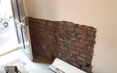 H is for….. Hygroscopic Salts and Replastering a Damp Wall
